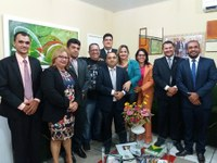 Presidente reúne Vereadores para celebrar aniversários de Vereadora e Assessor de Comunicação