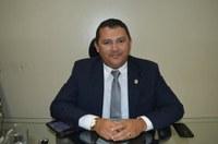 Vereador Adão Moura - Avante solicita recuperação e instalação de novos parques infantis
