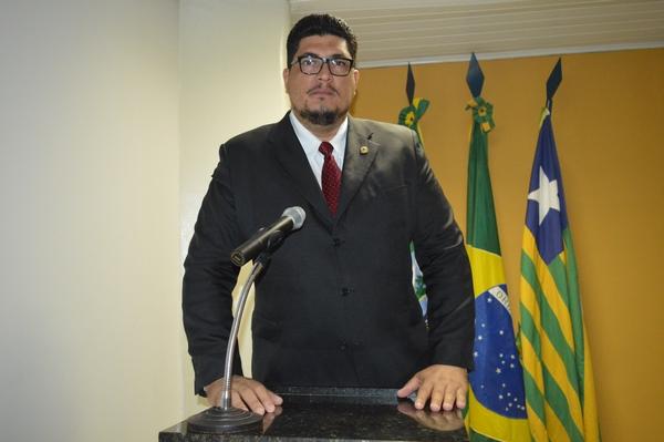 Vereador Marcelo Mota - PDT, critica gastos da Prefeitura