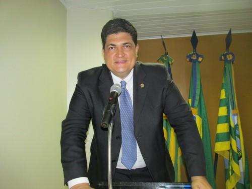 Vereador Marcelo Mota - PDT volta a criticar Prefeitura por atrasos salariais
