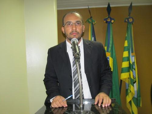 Vereador Odair Holanda - PDT, pede recuperação de estradas vicinais