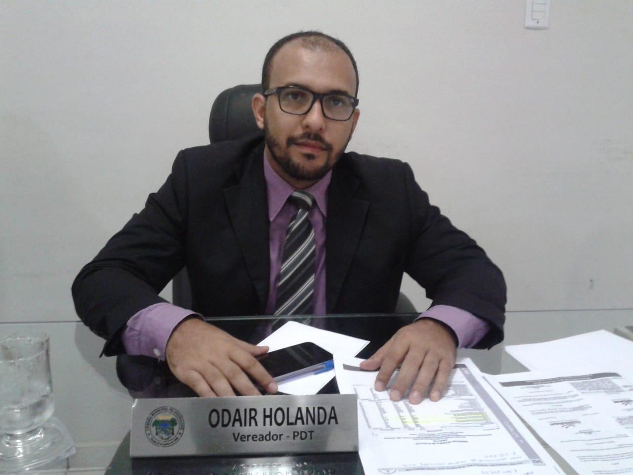 Vereador Odair Holanda (PDT) Solicita do Poder Público Municipal a implantação de pontos para frequência dos comissionados