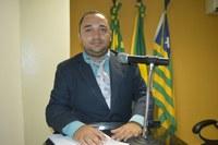 Vereador Tharlis Santos - PSD, Pede construção de calçamento para ruas próximas a U.E João Pinheiro