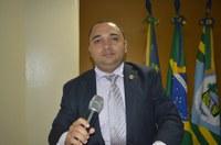 Vereador Tharlis Santos solicitou volta do transporte para Floriano