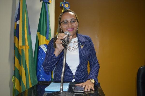 Vereadora Hélvia Almeida pede solução para abastecimento de água em Guadalupe