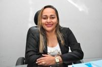 Vereadora Hélvia Almeida   - PSD – Diz em tribuna que o Município recebera quatro Ônibus climatizados e uma caminhonete