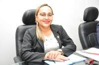 Vereadora Hélvia Almeida (PSD) Solicita através de oficio a Empresa Equatorial postes nas ruas do Bairro Cruzeta e Rua da Delegacia