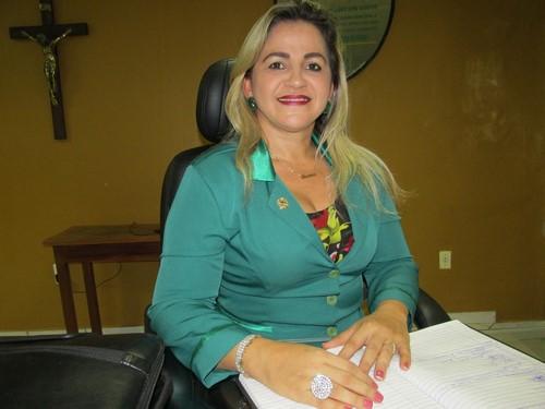 Vereadora Luciana Martins apresenta projeto homenageando Edivaldo Alencar