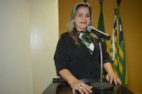 Vereadora Luciana Martins - PCdoB, pede construção de área coberta e melhorias estruturais no cemitério municipal